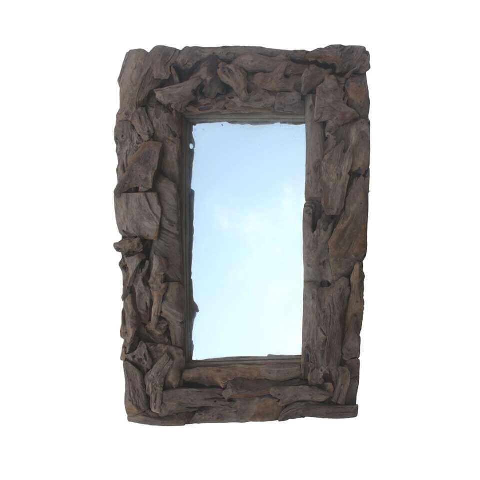 Ongemerkt kijken we op een dag heel wat in de spiegel. En als je dan toch een momentje voor jezelf pakt, dan kun je dat maar beter in een mooie HSM Collection spiegel doen!