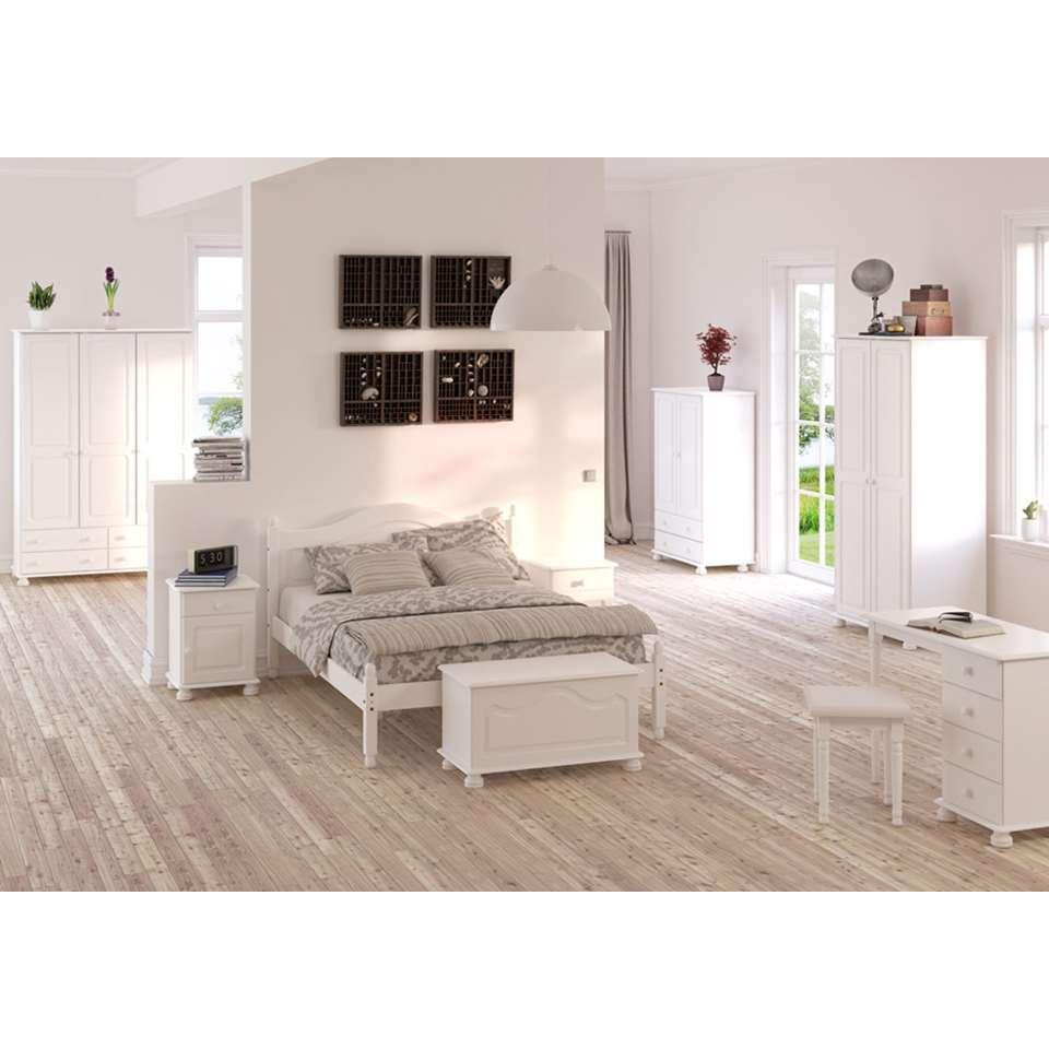 Kledingkast richmond 2 deurs wit 137 2x88 2x46 8 cm for Kledingkasten outlet