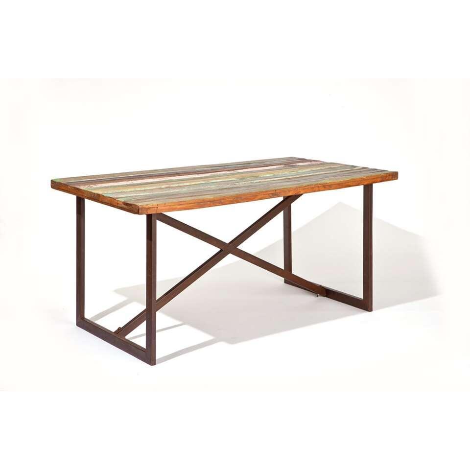 Neem plaats aan deze opvallende en unieke tafel voor een snelle kop koffie of ga gezellig met het hele gezin of met vrienden rondom deze tafel zitten en geniet van een uitgebreide maaltijd.
