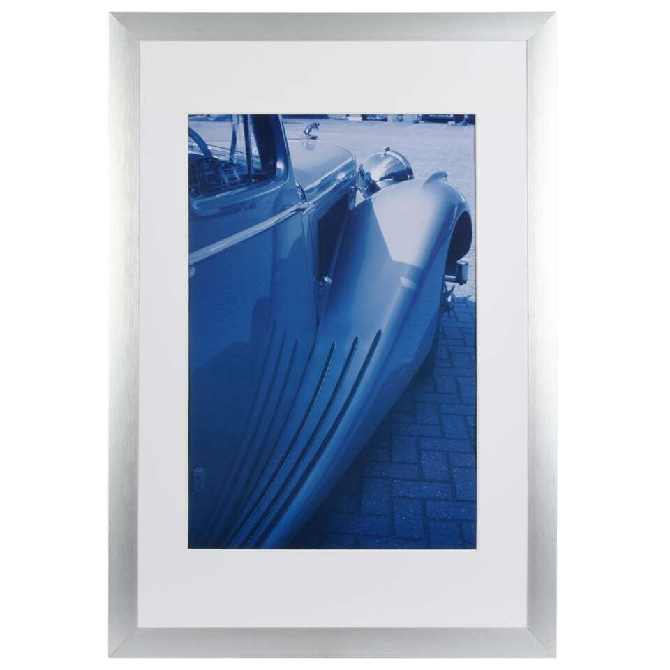 Fotolijst Luzern 40 x 60 cm in de kleur grijs van het merk Henzo is een strakke brede aluminium fotolijst voor ieder interieur. Past ook perfect in een zakelijke omgeving.