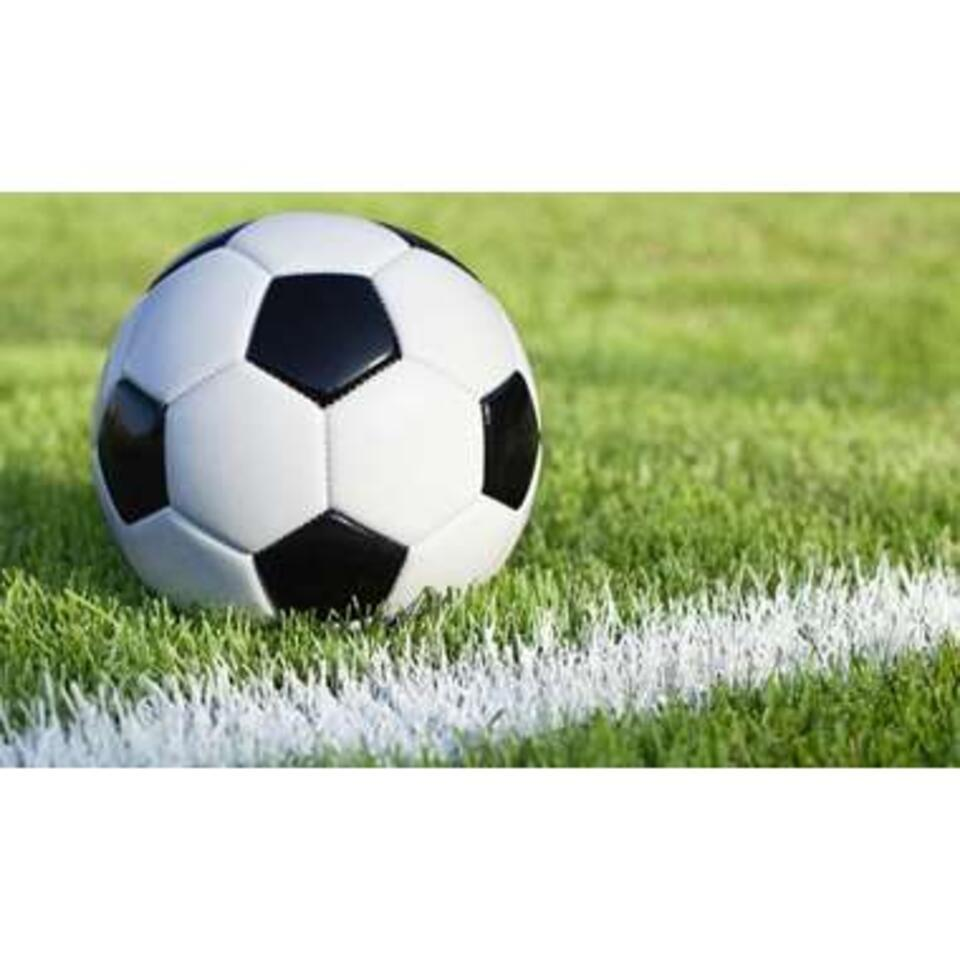 RoomMates stickerbehang Voetbal - 91x152 cm - Leen Bakker