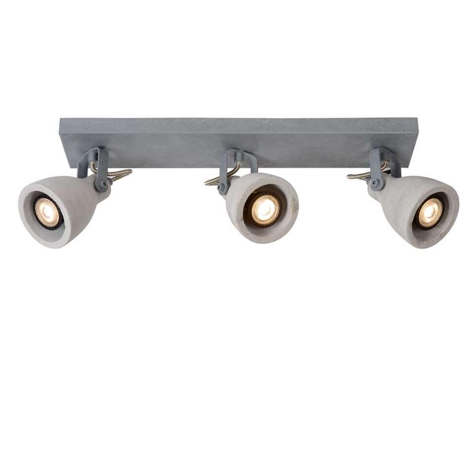 Deze Concri-LED-spot verenigt twee moderne materialen tot één stijlvol geheel. De lampenkap van beton en het grijze metalen kader zijn beste vrienden. Deze lamp past perfect in een modern interieur.
