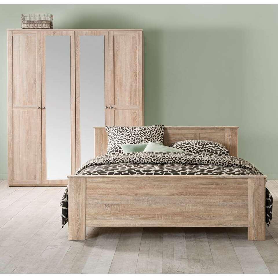 Bed 140x200 Compleet.Bed Geneve Eikenkleur 140x200 Cm